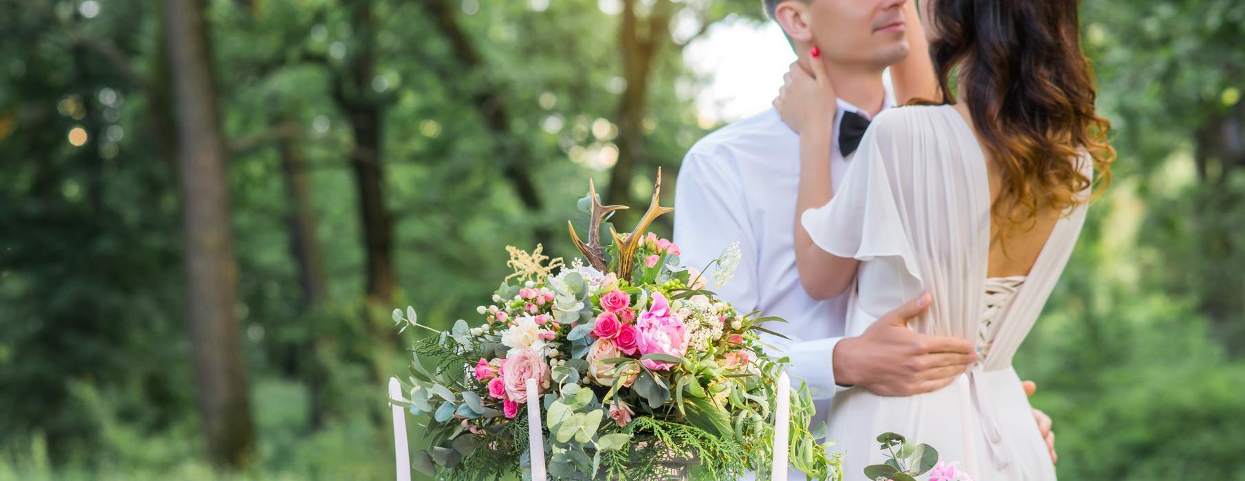 Abiti da sposa boho-chic  romanticismo ed eleganza per la sposa 2019 2bbbc3a97adf